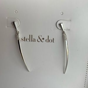 Stella&Dot 'Rae' earrings silver finish NIB